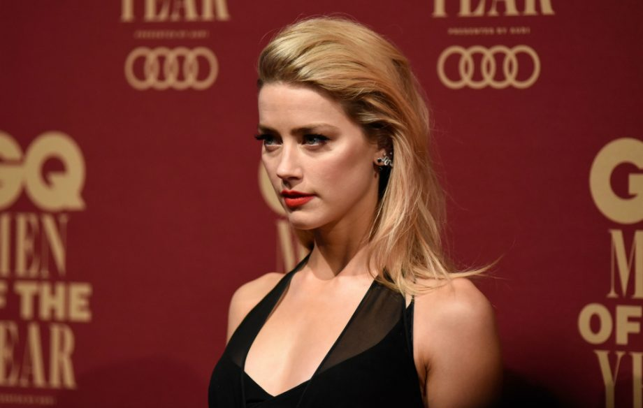 justice league star amber heard was told coming out would throw