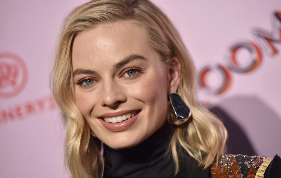 Margot Robbie says sexual misconduct allegations have nurtured ' sense of community' amongst actresses