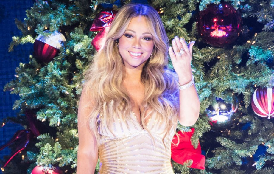 Mariah Carey All I Want For Christmas.Mariah Carey S Hair Froze On The Set Of The All I Want For