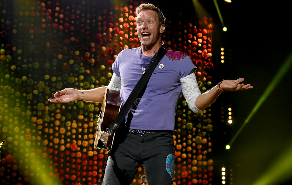 Watch Chris Martin S Cameo On Modern Family Nme