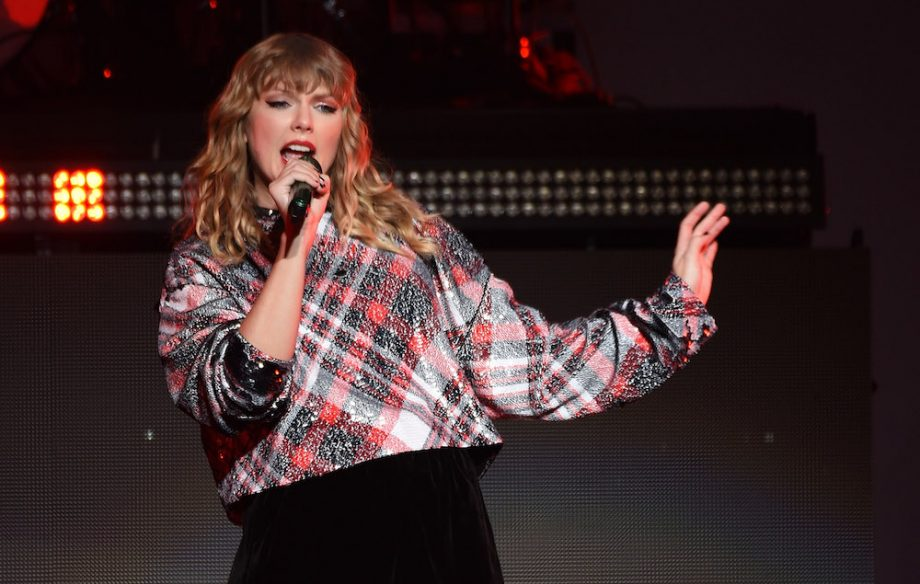 Taylor Swift Bought Pregnant Fan A House After Learning