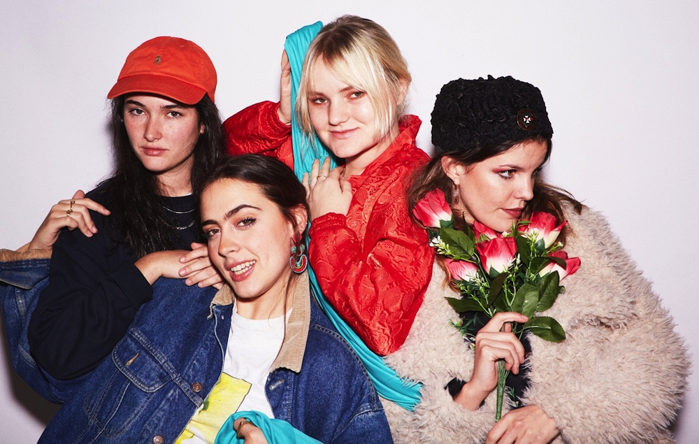 Listen to Hinds'