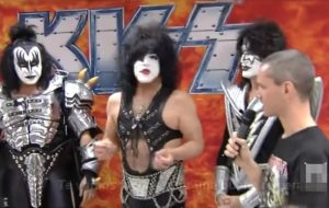 Kiss force an interviewer to take off his T-shirt