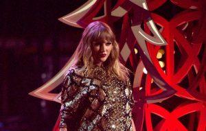 Taylor Swift Christmas card