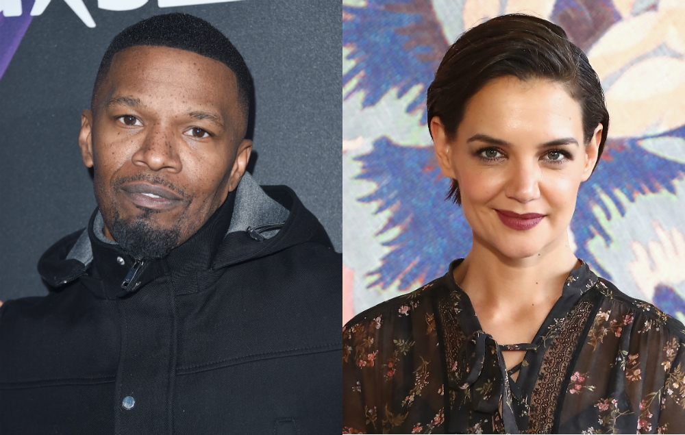 Jamie Foxx walks out o...