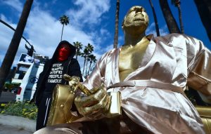 Harvey weinstein 39 casting couch 39 statue appears on hollywood walk of fame nme - Real casting couch videos ...