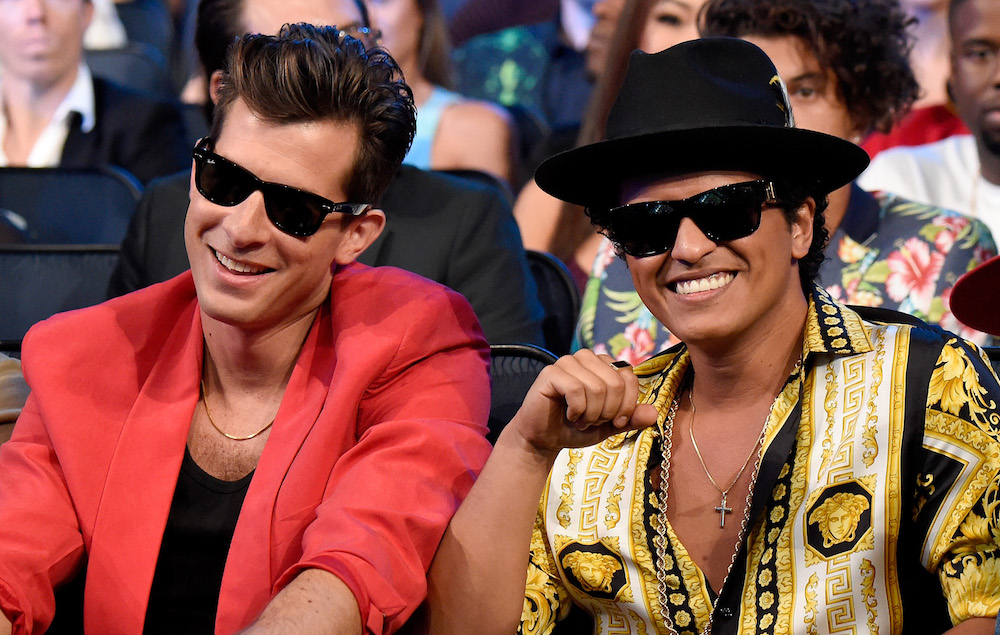mark ronson and bruno mars settle one of three 39 uptown. Black Bedroom Furniture Sets. Home Design Ideas