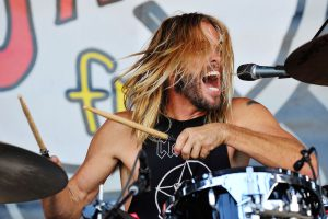 Taylor Hawkins and the Coattail Riders