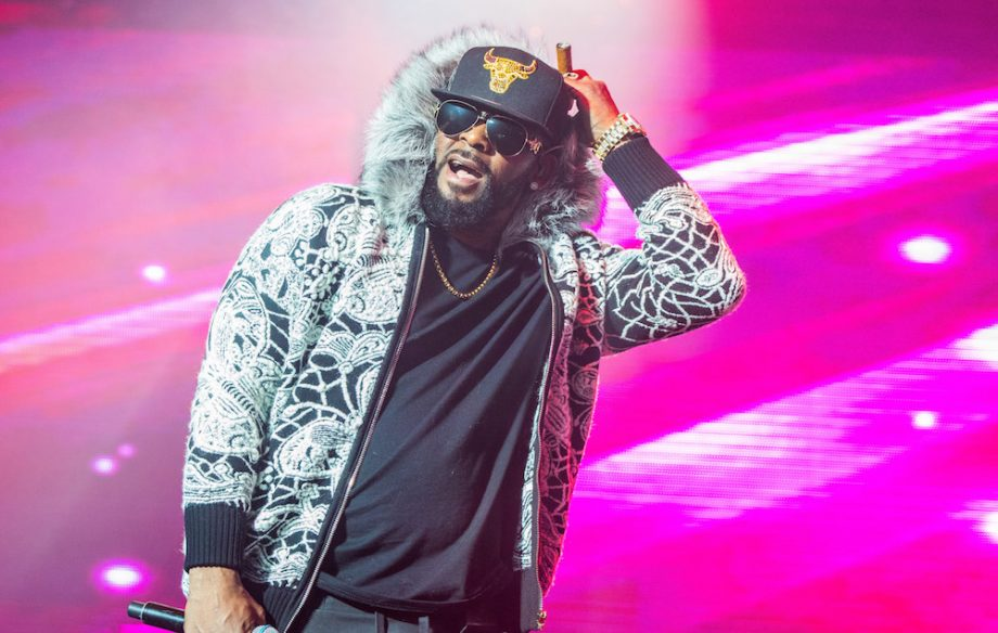 Apple Music and Pandora also remove R. Kelly's music from playlists