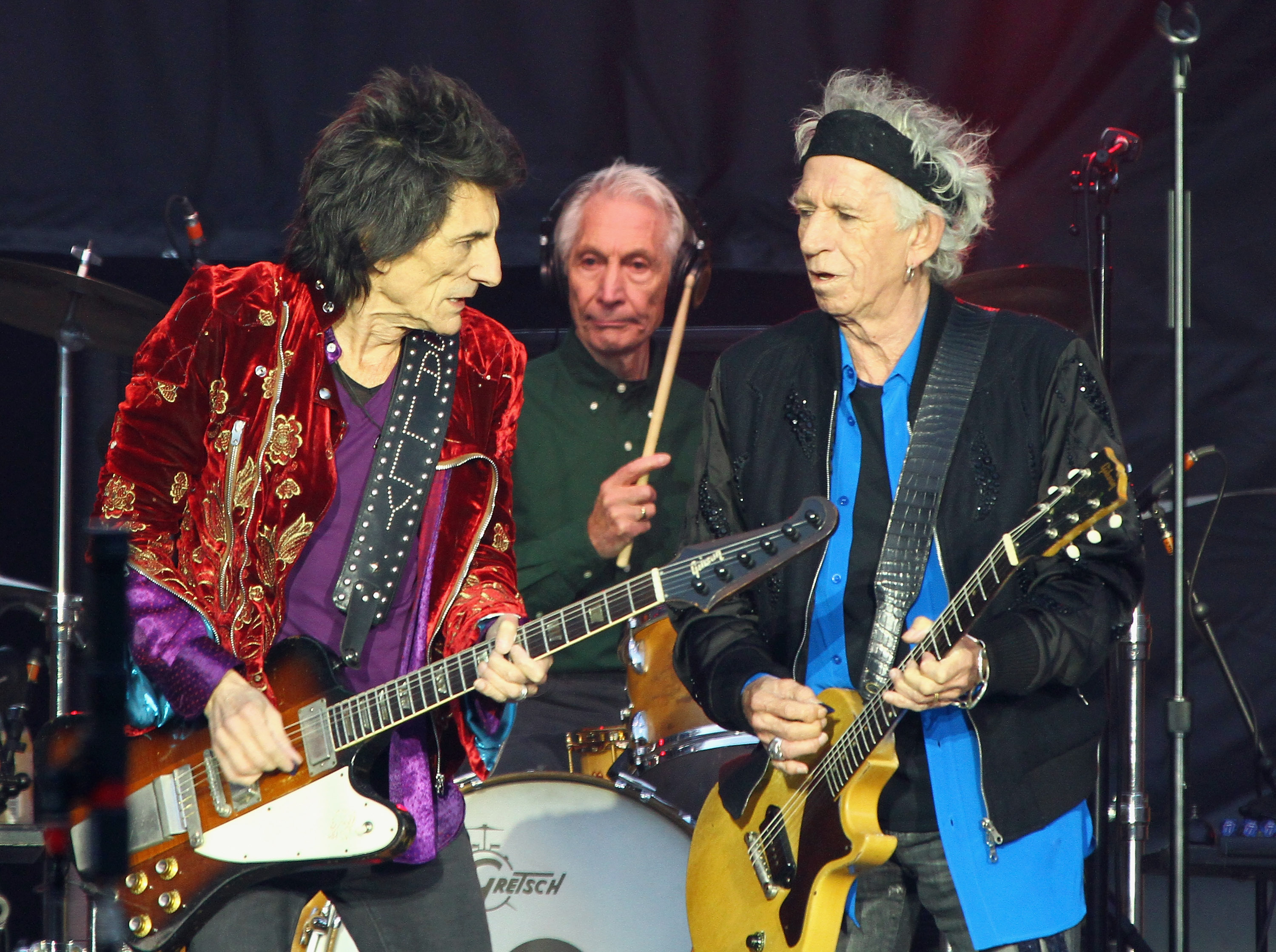 The Rolling Stones kick off European tour with massive