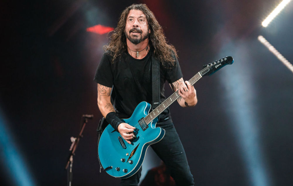 Foo Fighters fans think Dave Grohl's voice might be ...