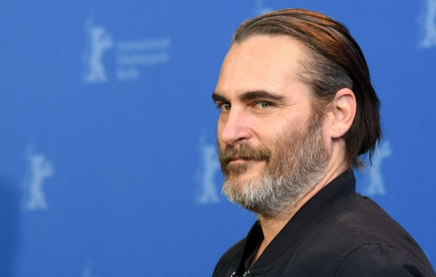 Joaquin phoenix movies about dating robot