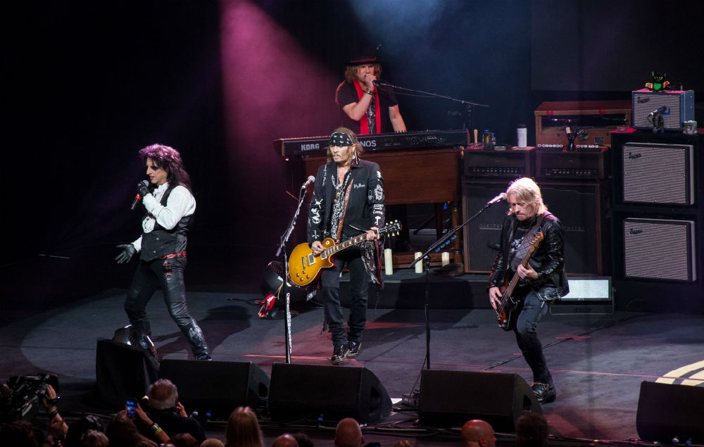 Watch Johnny Depp Perform David Bowie S Heroes Live With