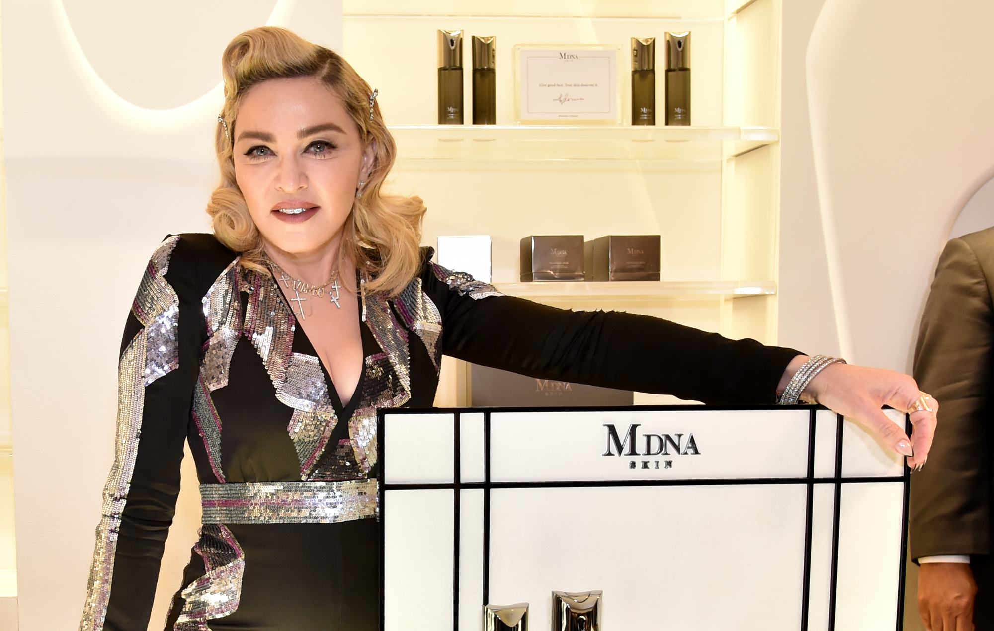 Madonna Fans Are Mistaking Her New Facial Roller For A Sex Toy-5028