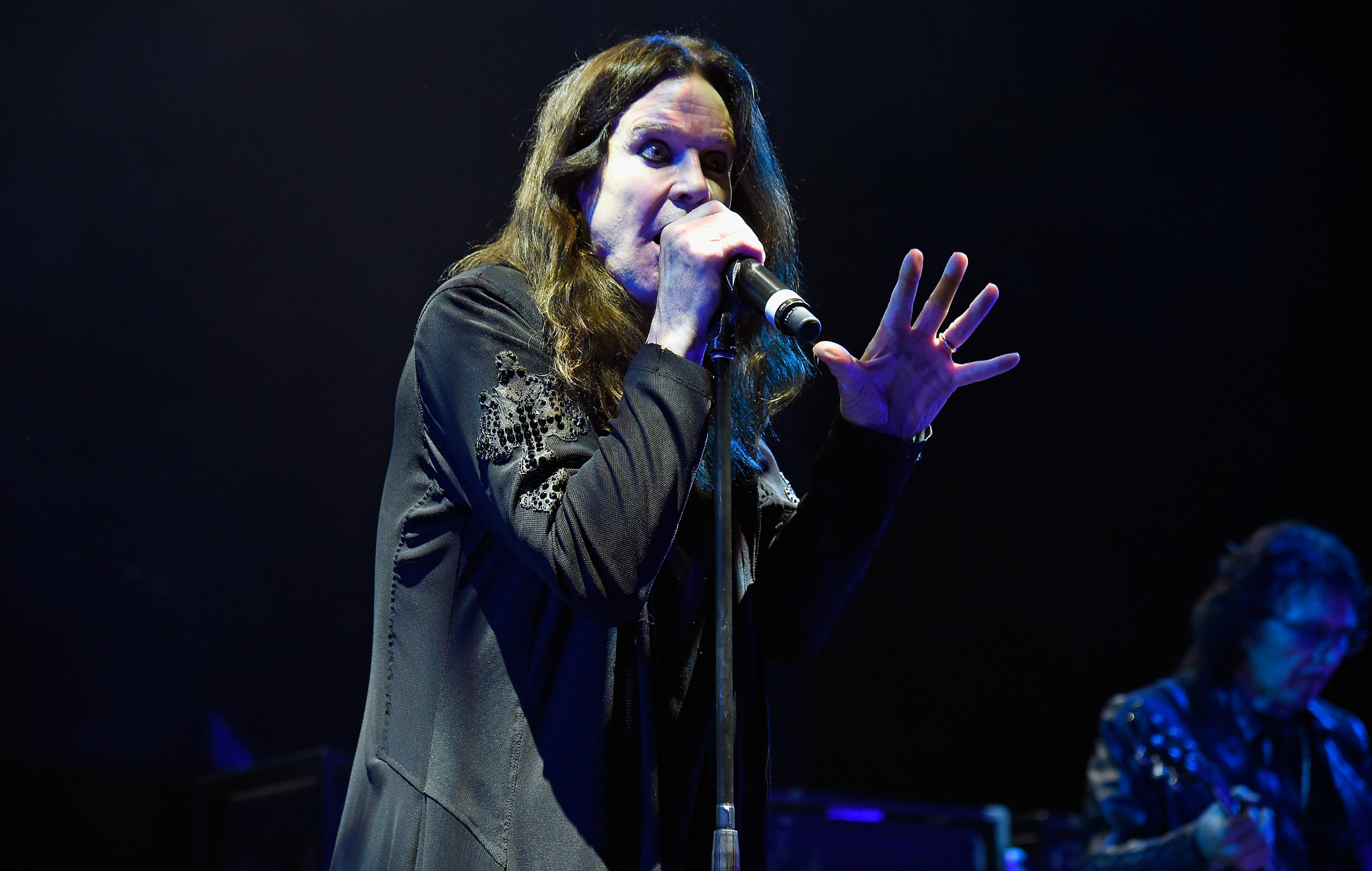 ozzy osbourne hospitalised after cancelling show in california nme. Black Bedroom Furniture Sets. Home Design Ideas