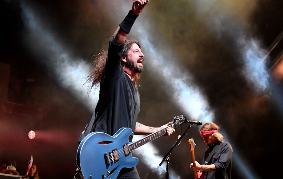 Watch Foo Fighters play their singles in reverse order at massive Cal Jam show