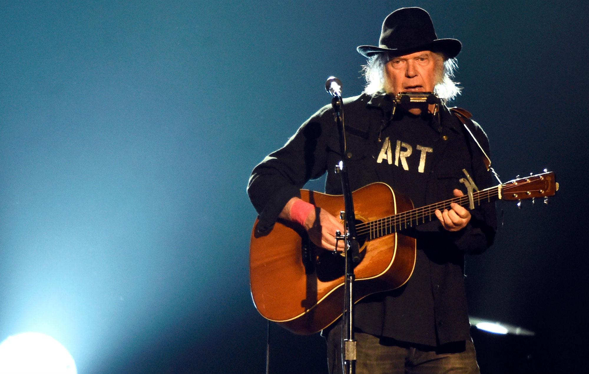 Neil Young announces live acoustic album, featuring a