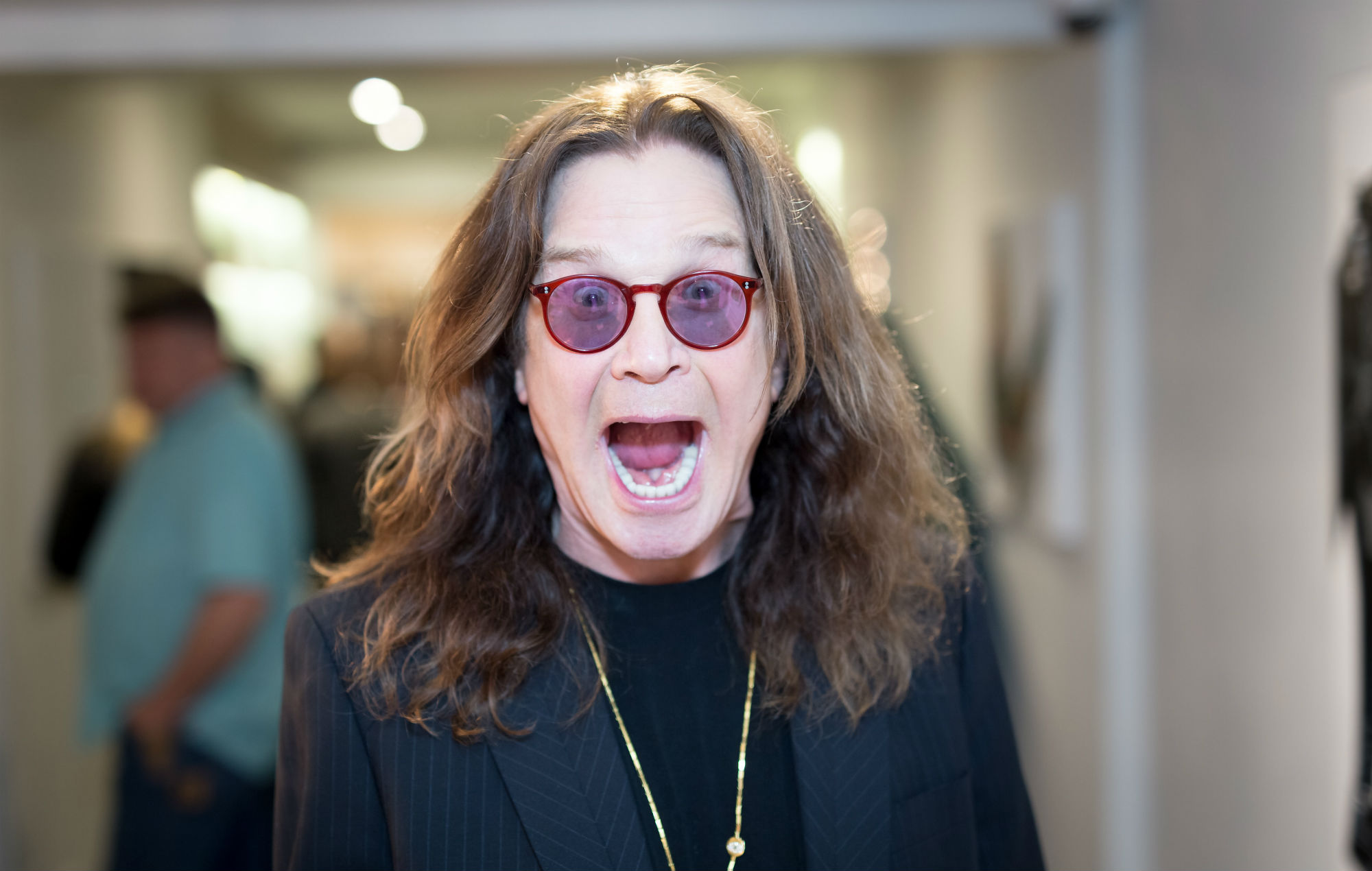 Ozzy Osbourne Assures Fans He S Fully Recovered From Life