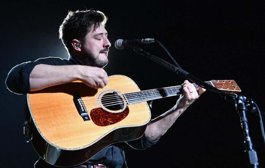 Watch Mumford & Sons kick off their tour with massive Dublin show
