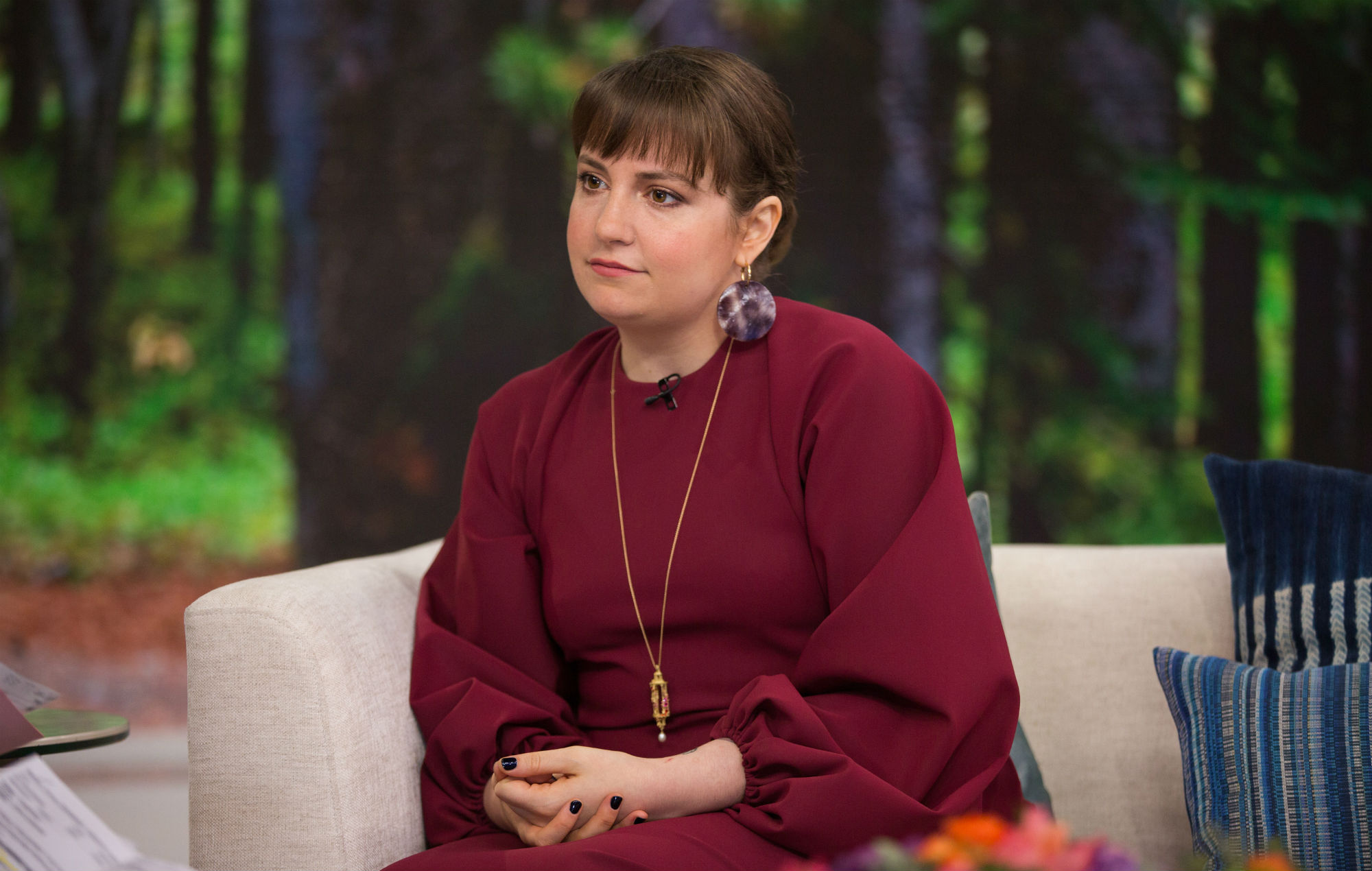 Gettyimages Lena Dunham Issues Apology Aurora Perrineau Overual