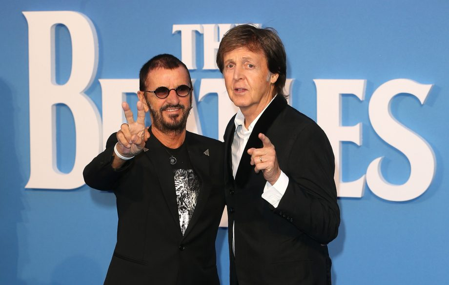 Paul And Ringo : it 39 s beatlemania at the o2 as ringo starr is spotted in the crowd for paul mccartney 39 s london ~ Hamham.info Haus und Dekorationen