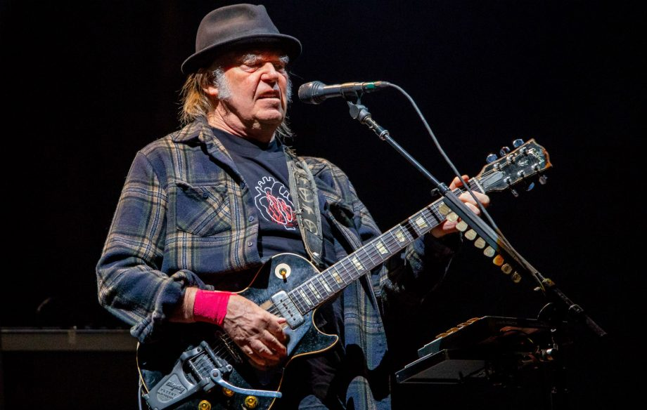 Neil Young says his co-headlining Hyde Park show will go ahead – without Barclays as a sponsor