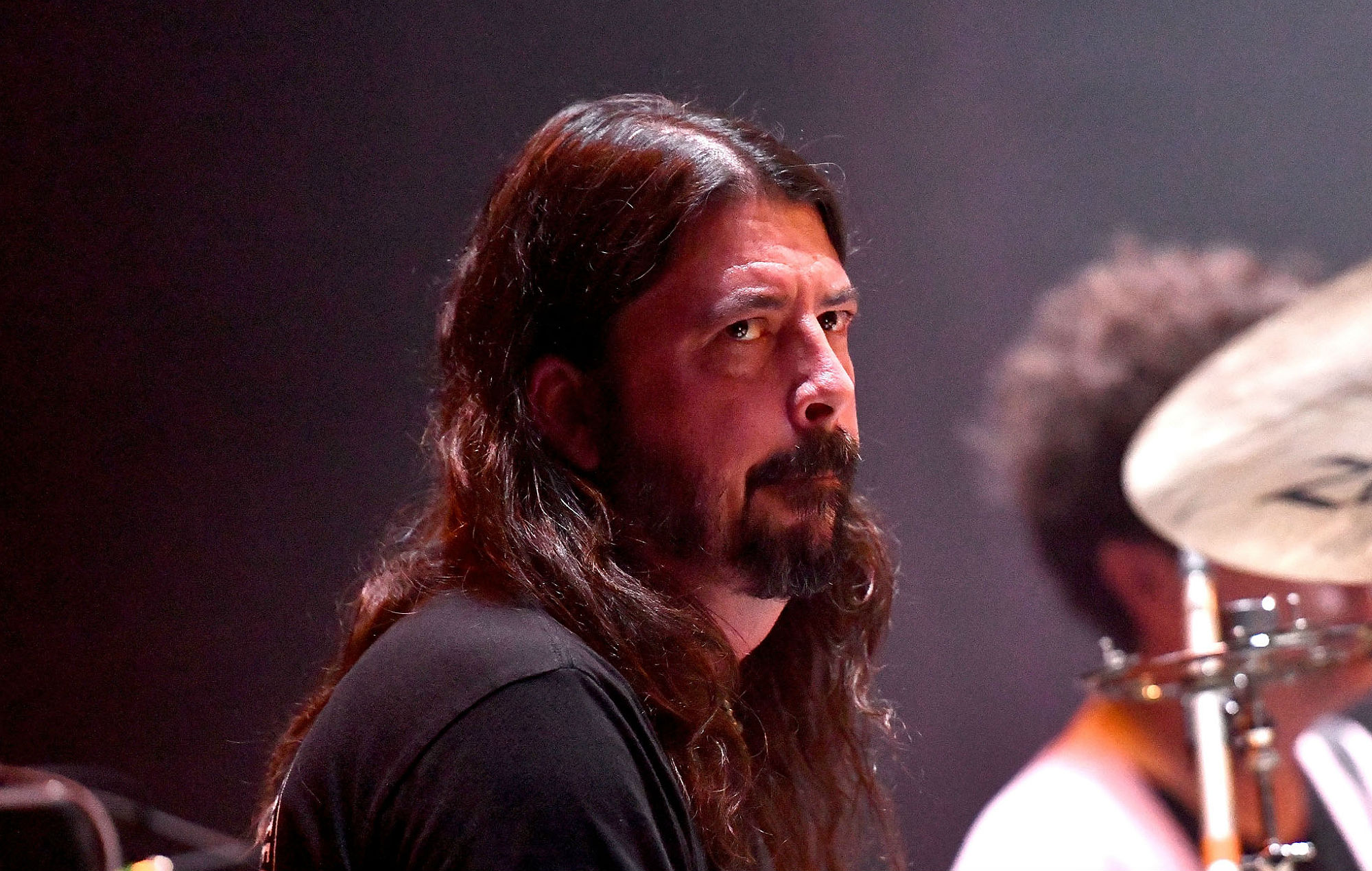 Watch Dave Grohl Fall Off Stage At Foo Fighters First Gig