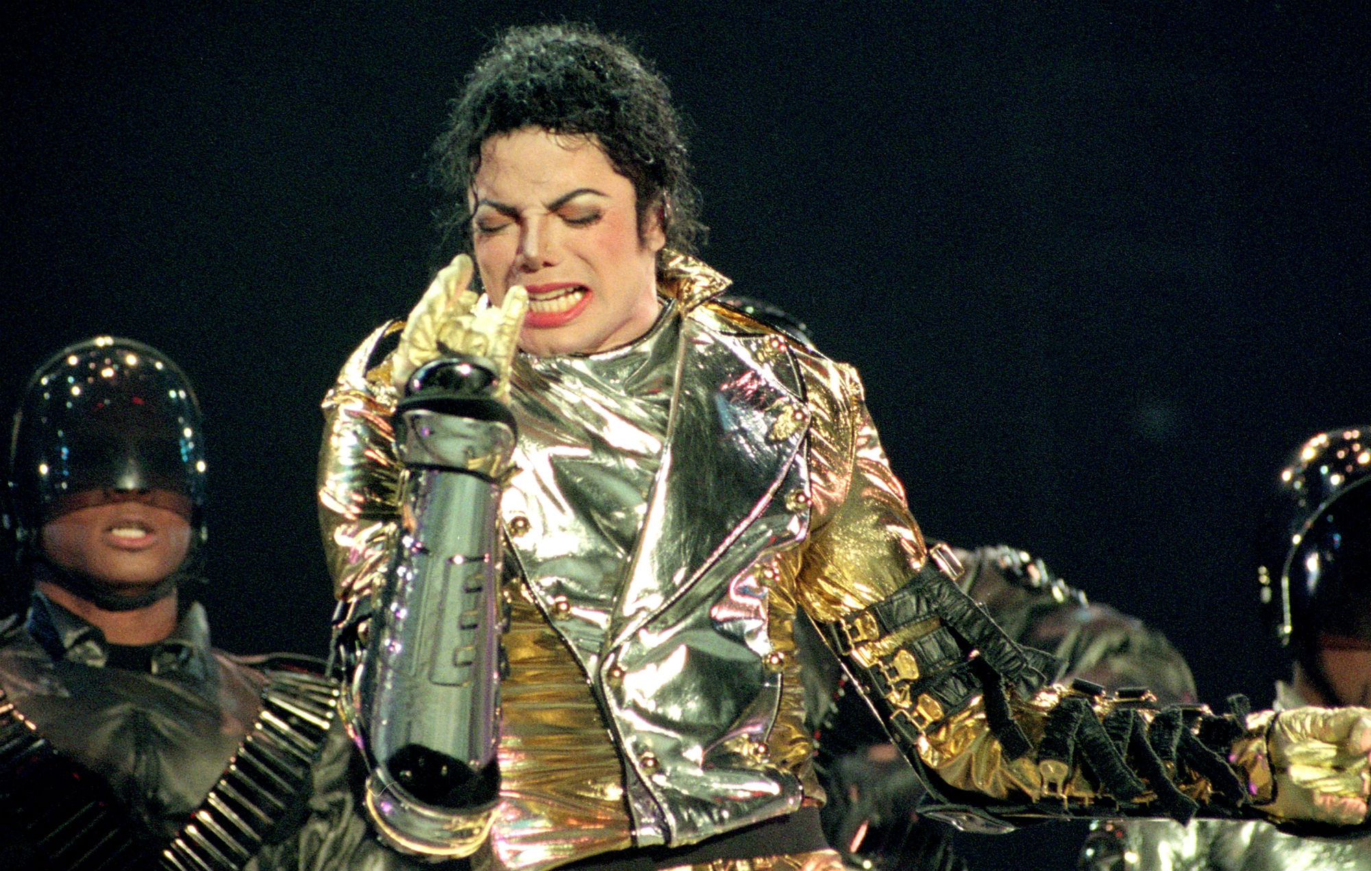 Michael Jackson accused of assaulting Bubbles The Chimp