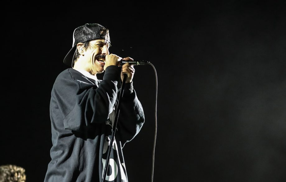 Watch Red Hot Chili Peppers cover Radiohead's 'Pyramid Song