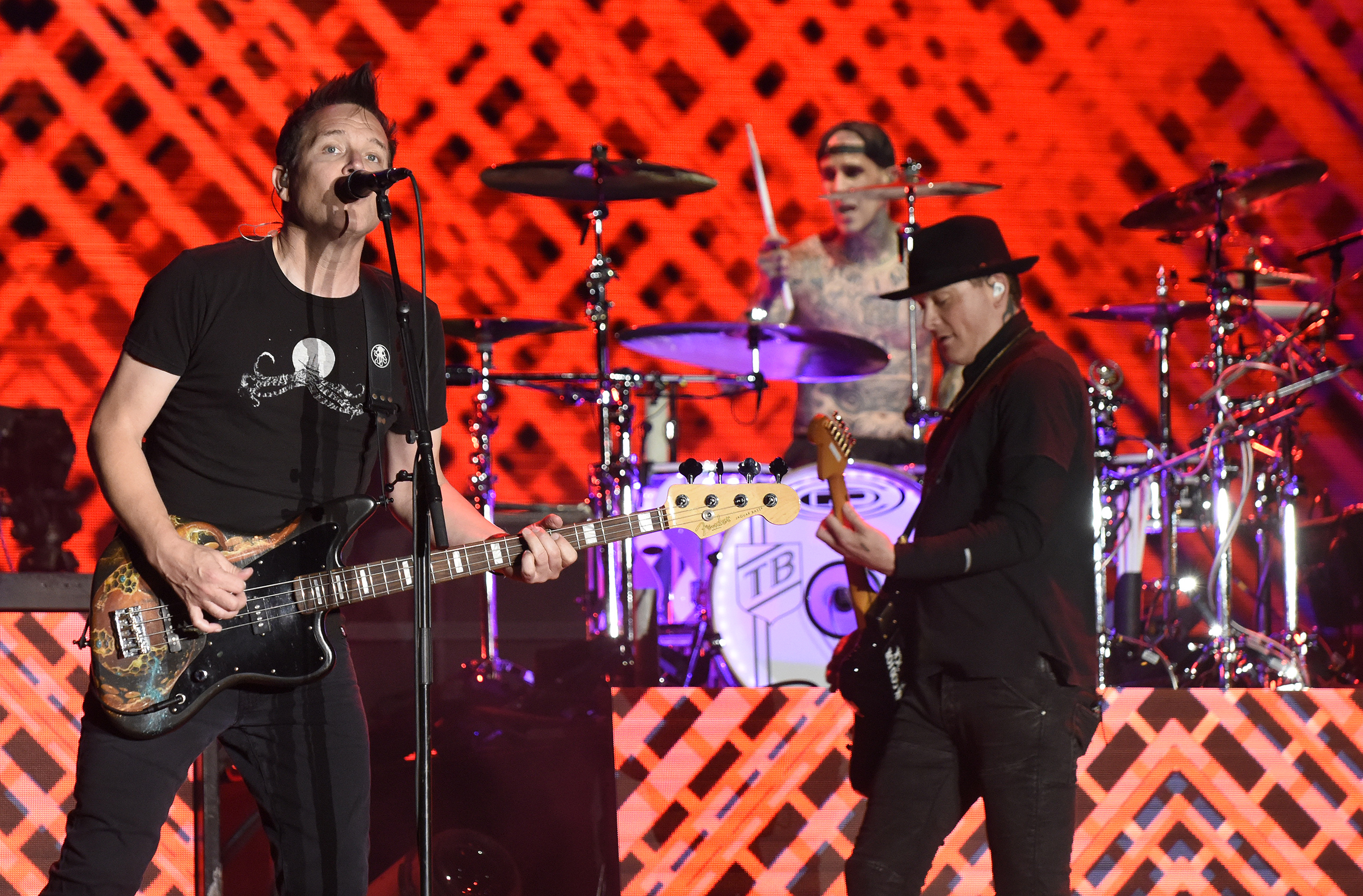 Watch Blink-182 play 'Enema Of The State' in full to ...