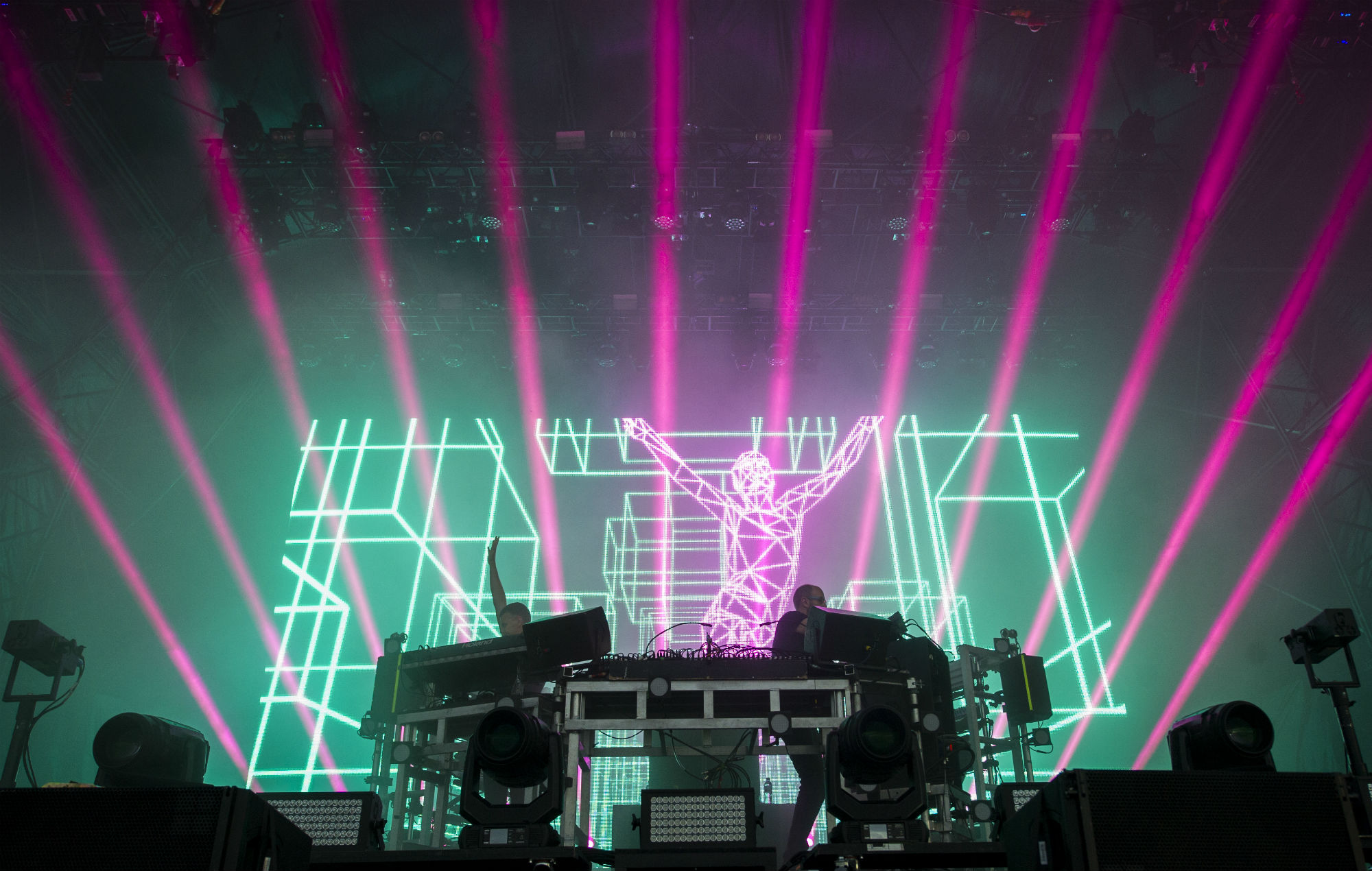 Watch this exclusive, behind the scenes video about The Chemical Brothers' 'We've Got To Try'