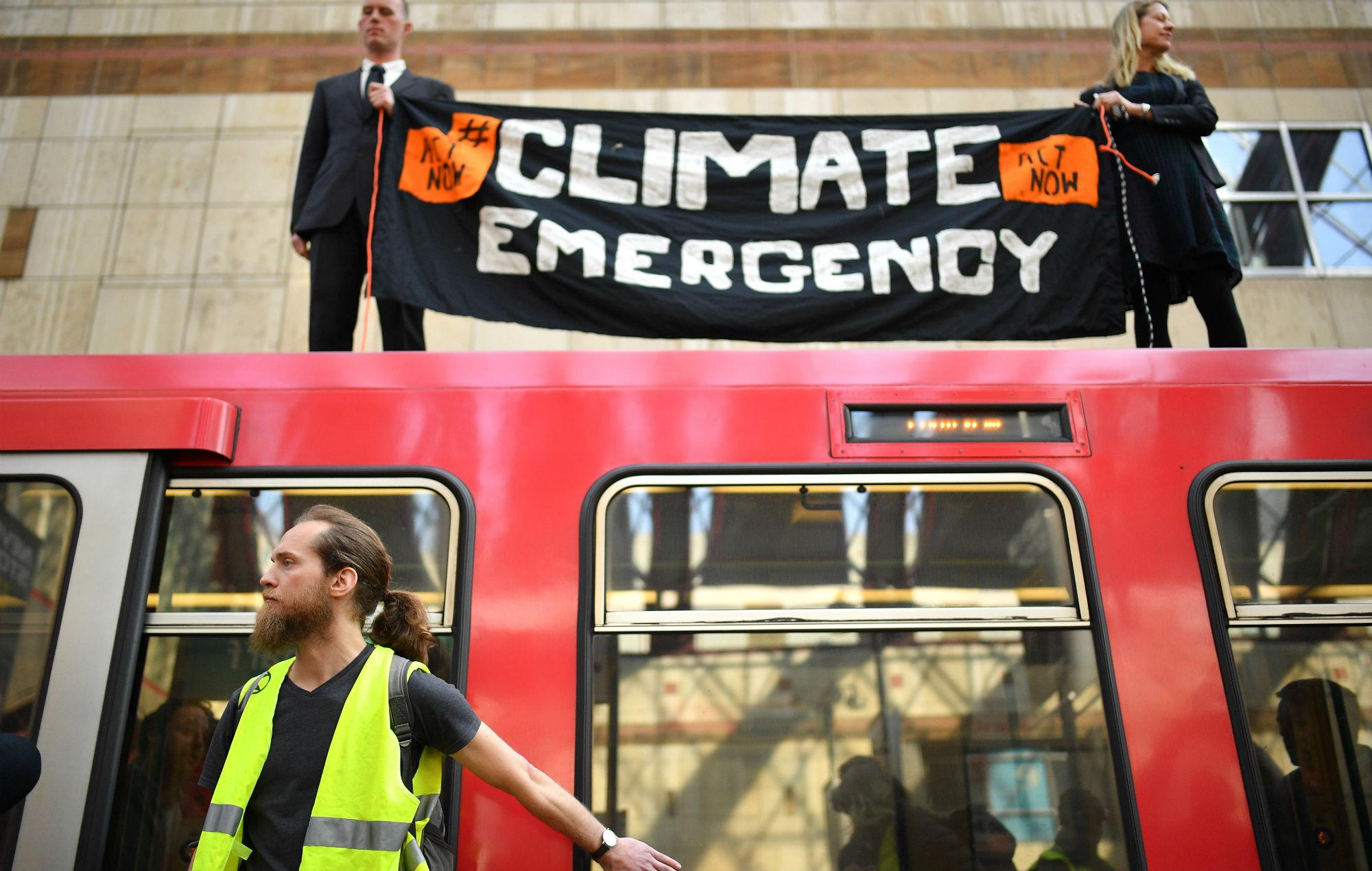Who are Extinction Rebellion, the UK-born activist group ...
