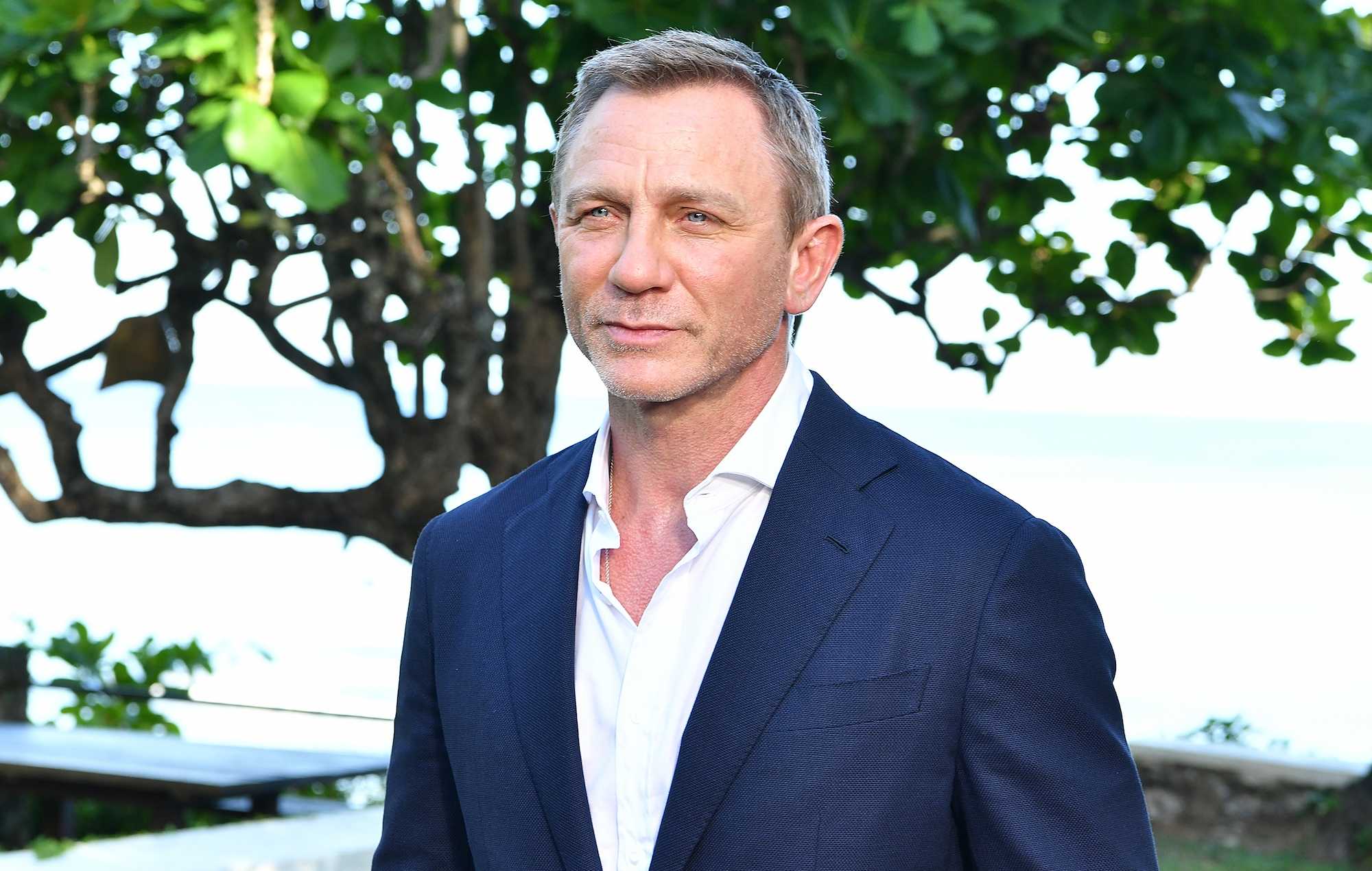 Daniel Craig to undergo surgery after injuring his ankle ...