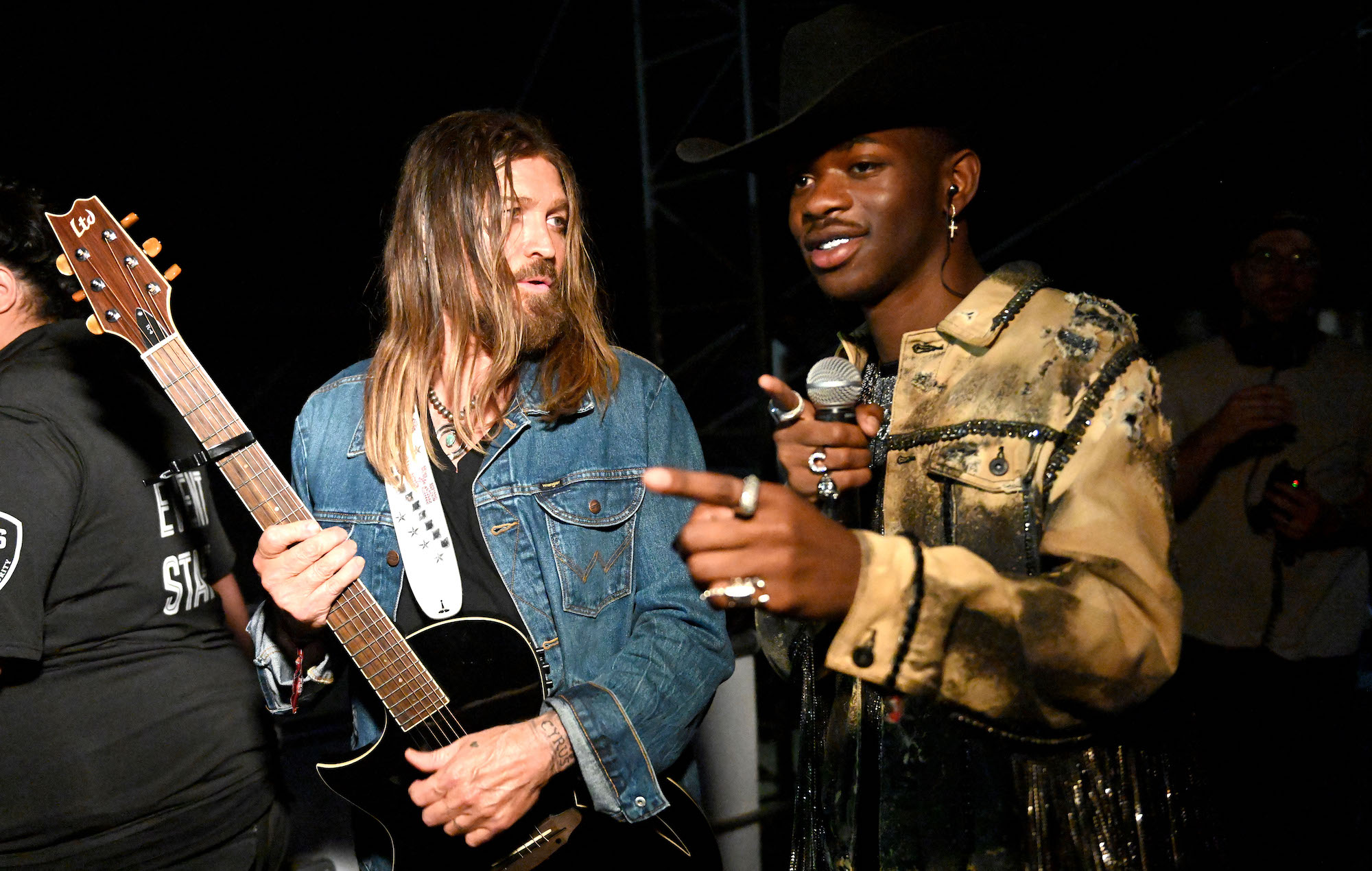 Watch Lil Nas X S Video For Billy Ray Cyrus Remix Of Old