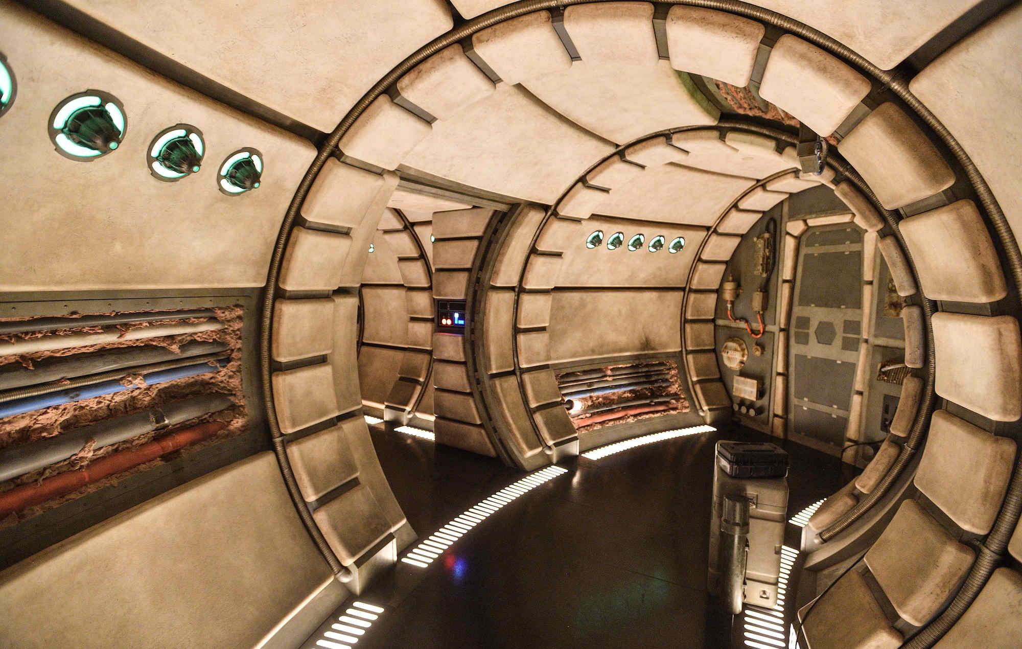 Take A Look At Disneyland S New Star Wars Galaxy S Edge