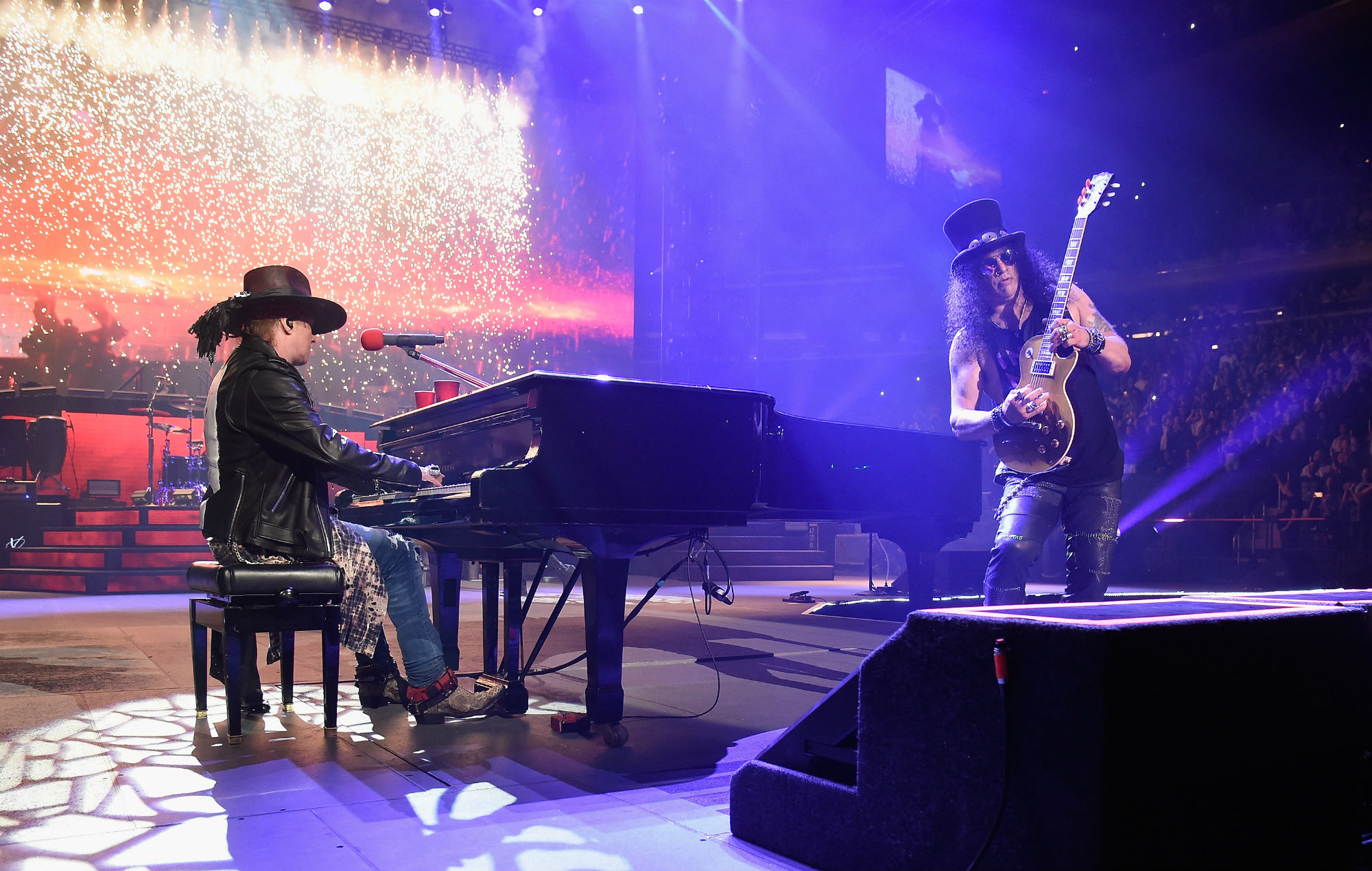 guns n 39 roses announce new north american tour dates. Black Bedroom Furniture Sets. Home Design Ideas
