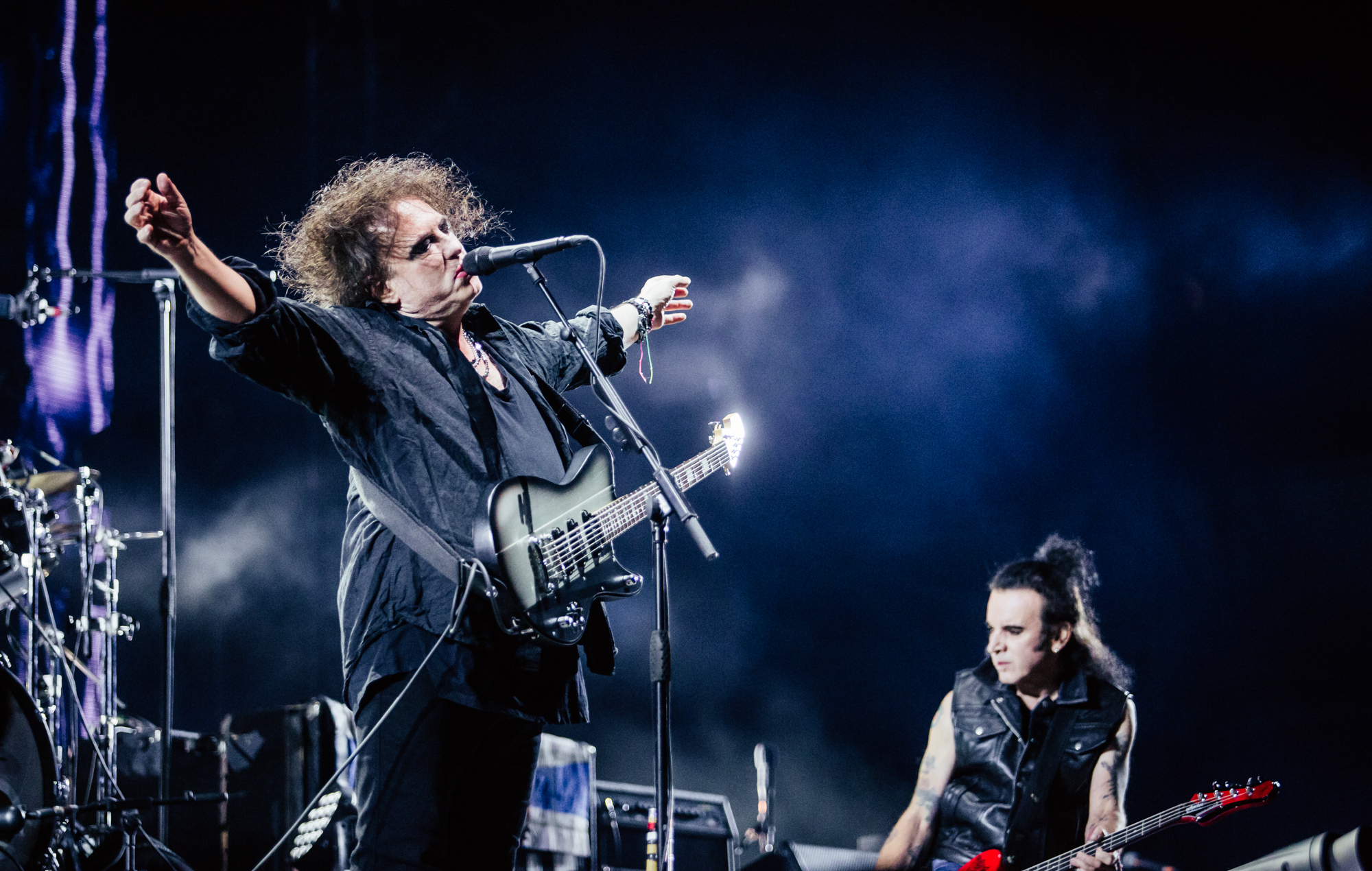 The Cure Carry On Their Glastonbury High With Giddily