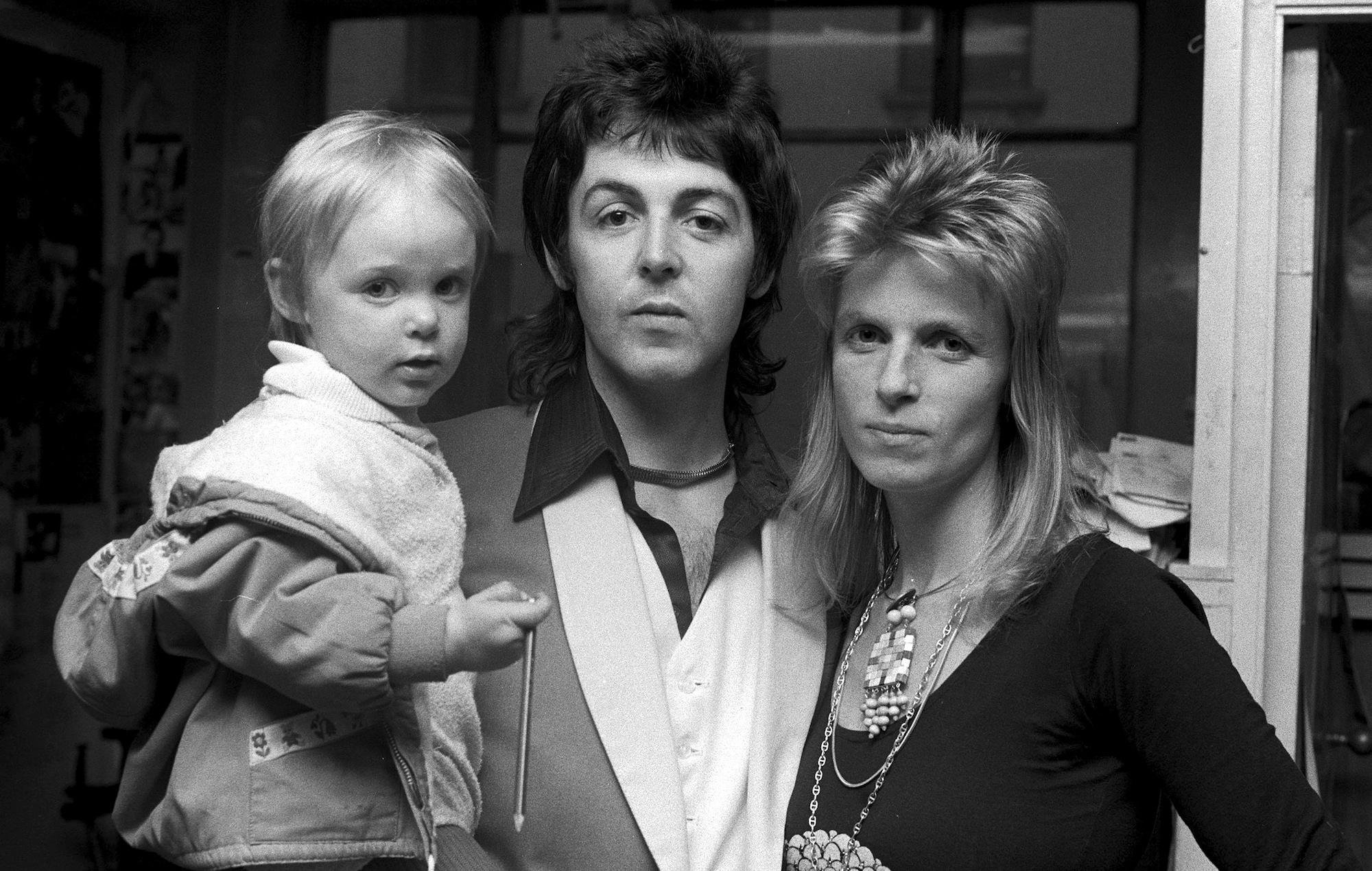 paul mccartney says he cried for a year when wife linda died. Black Bedroom Furniture Sets. Home Design Ideas