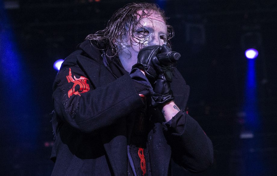 Slipknot halt gig after wild moshpit grows too dangerous – watch - NME