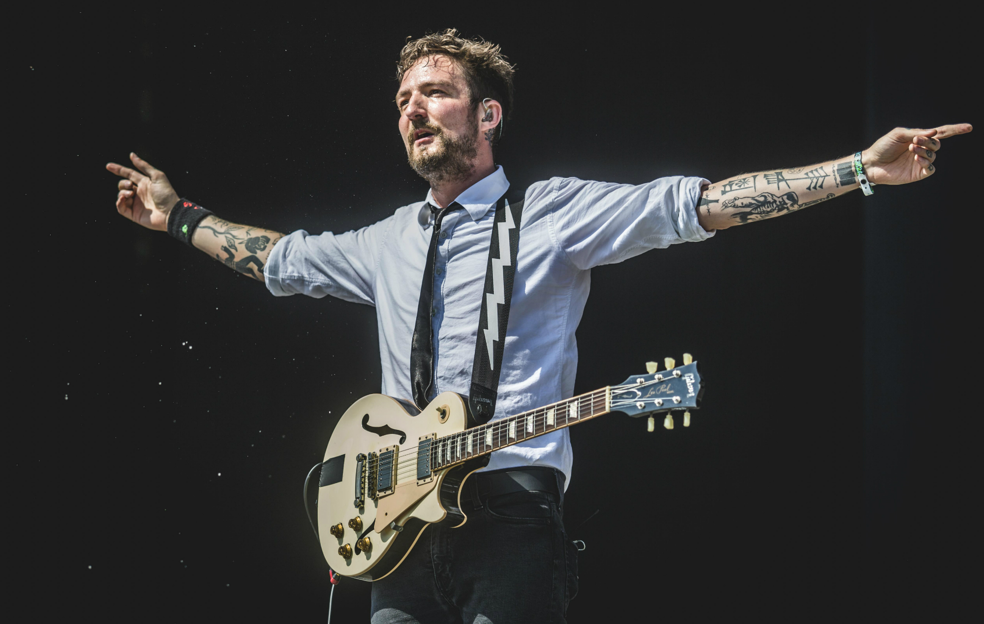 Frank Turner announces new album 'No Man's Land' with first