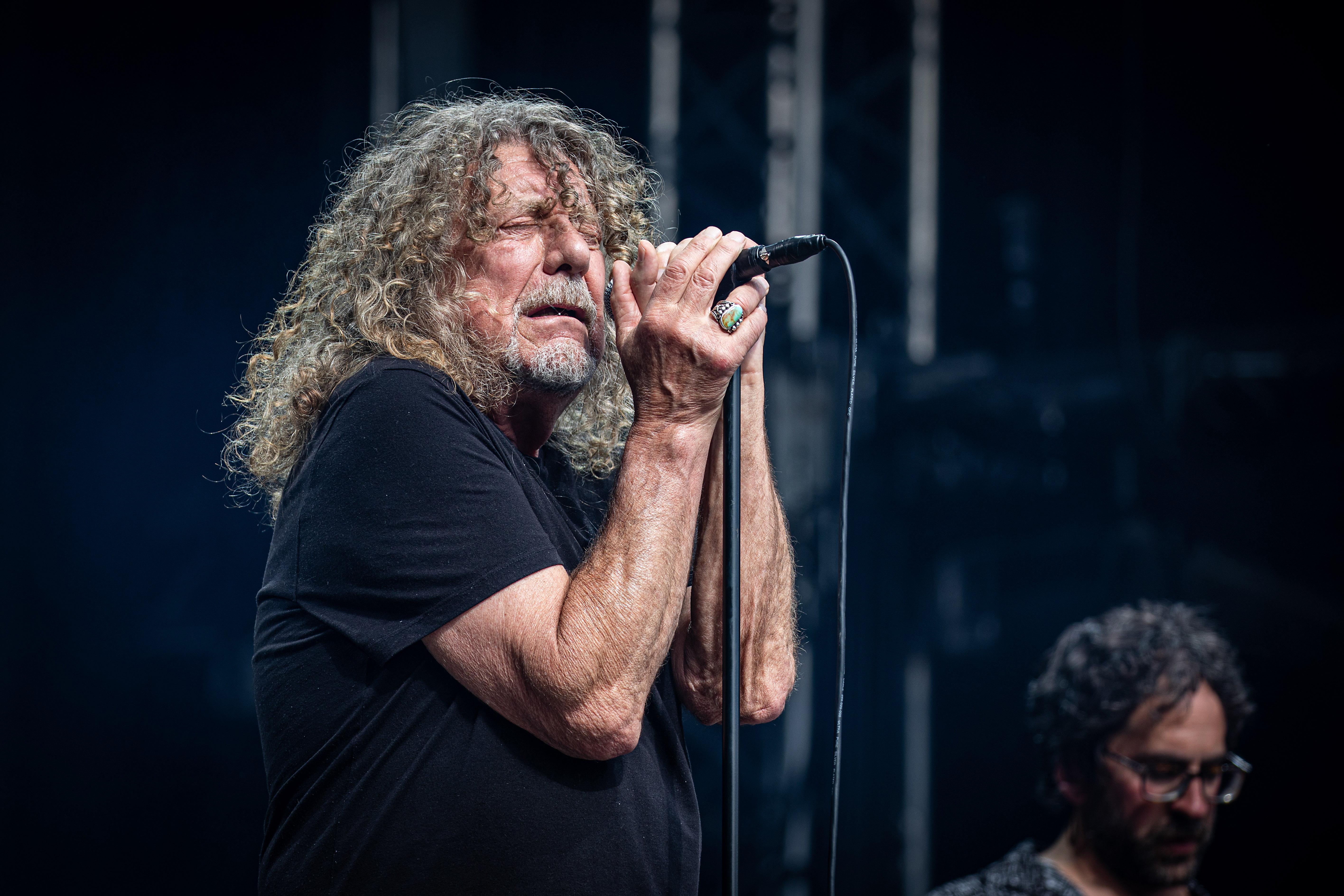 Aahhh! Watch Led Zeppelin's Robert Plant perform 'Immigrant Song' for first time in 24 years