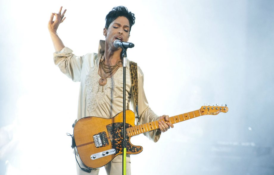 A new Prince single, 'Holly Rock', has been released together with a new video