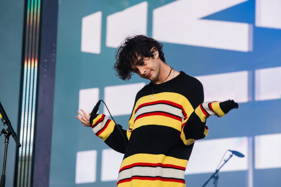 """I would go to jail for what I stand for"" – The 1975's Matty Healy talks playing countries with anti-gay laws"