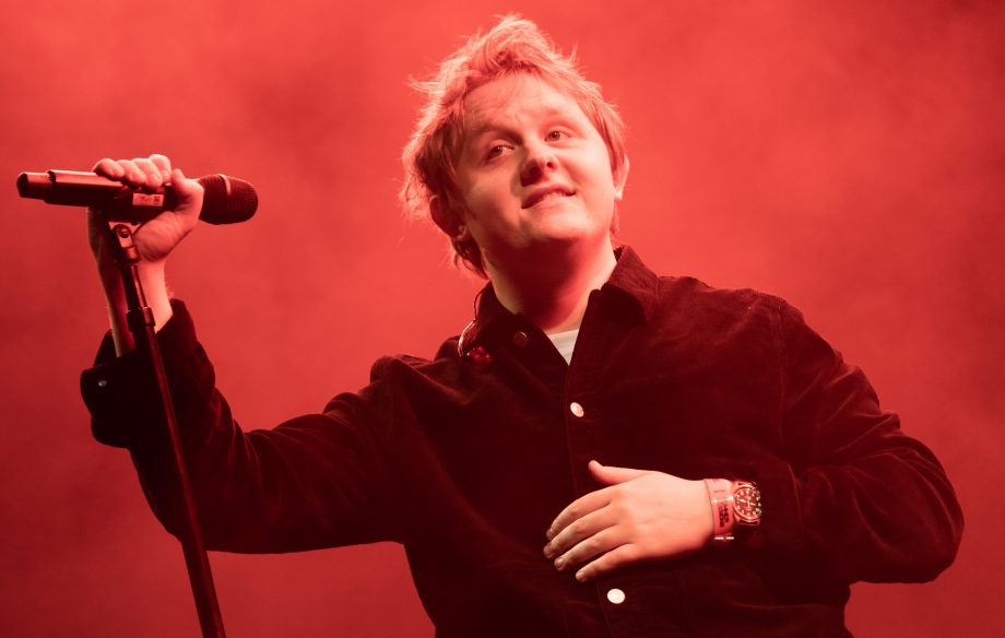 Lewis Capaldi's fans can now watch him perform in virtual reality