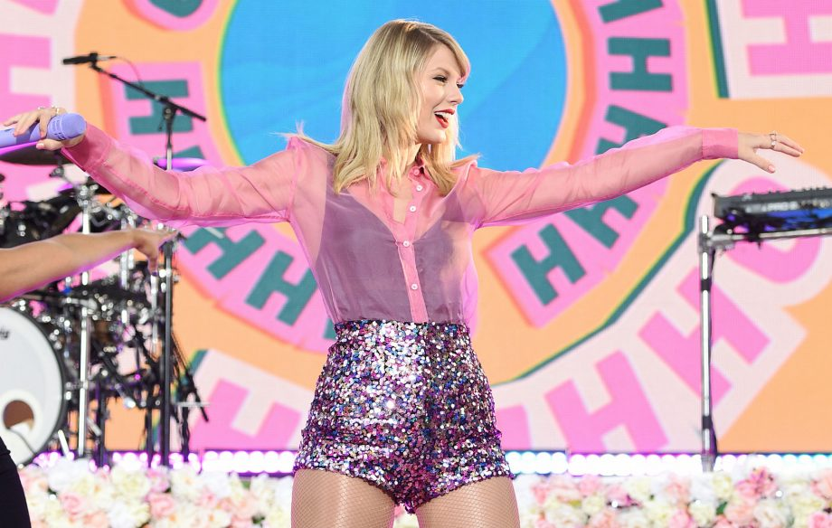 Taylor Swift's 'Lover' gains biggest first week album sales of 2019 in a single day