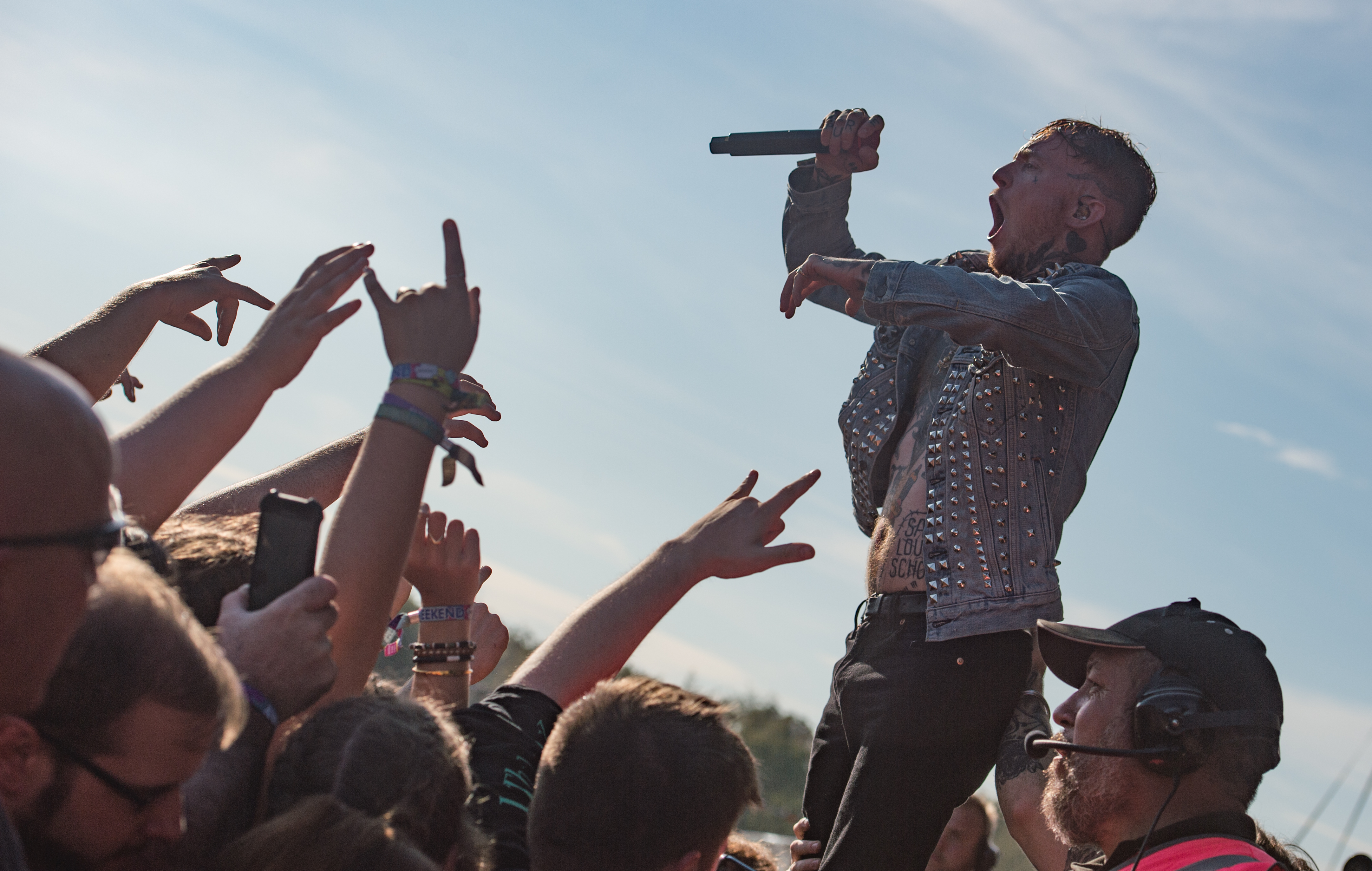 """Frank Carter has a message for Dave Grohl at Reading 2019: """"Please leave the Jager at home!"""""""