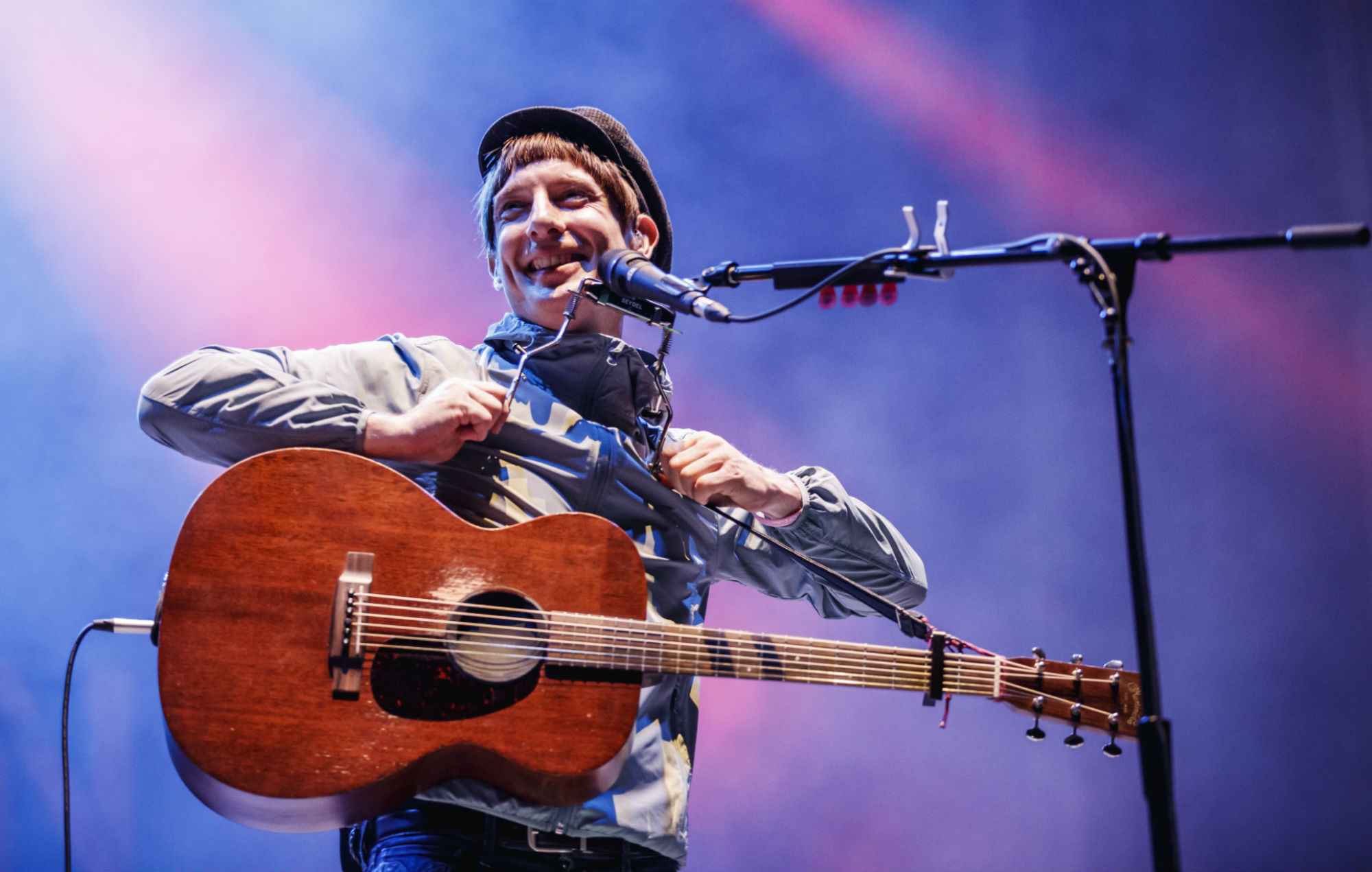 Gerry Cinnamon teases new single 'Sun Queen'