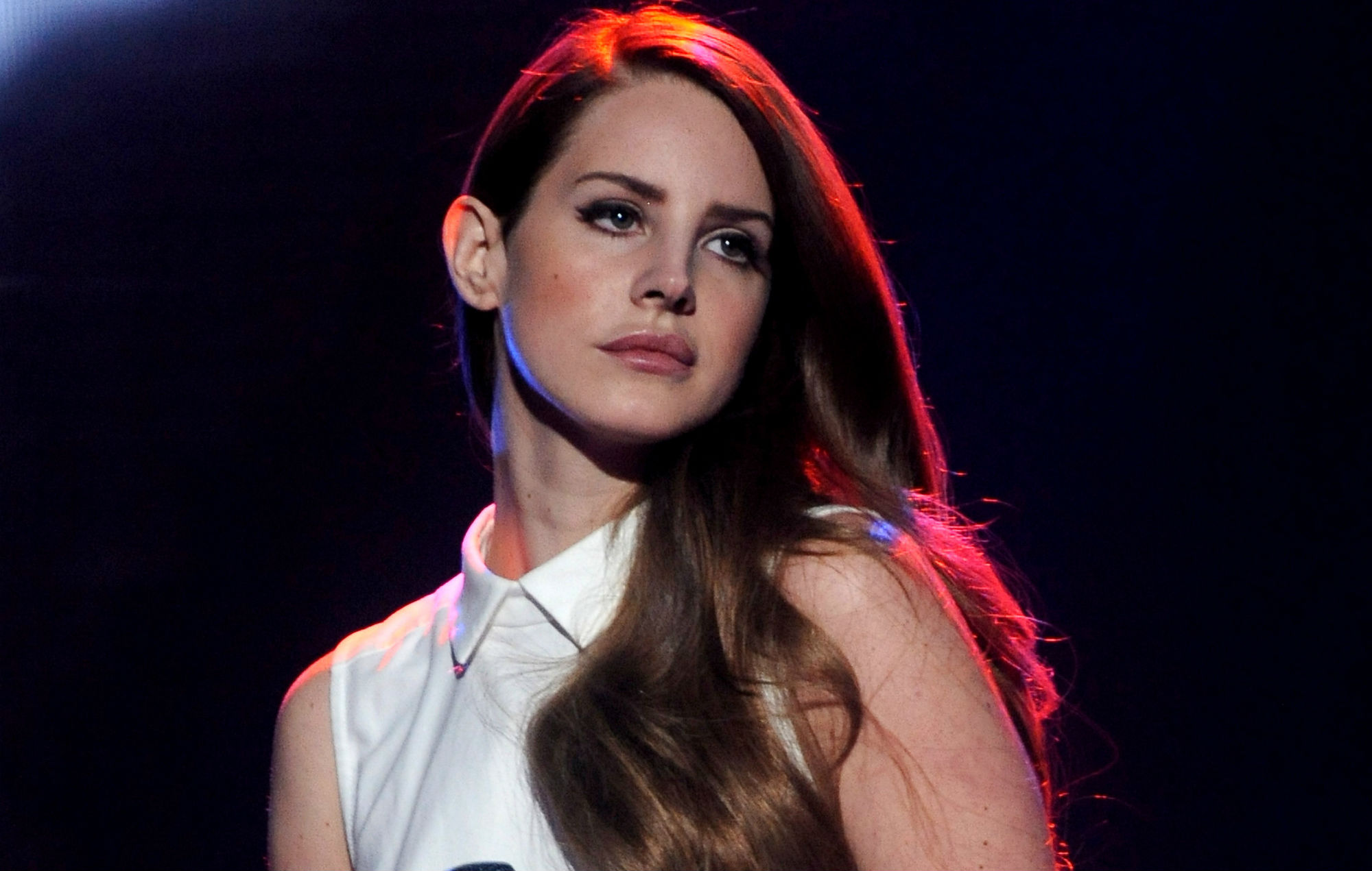 Lana Del Rey Live At The Hollywood Bowl La A Poetic