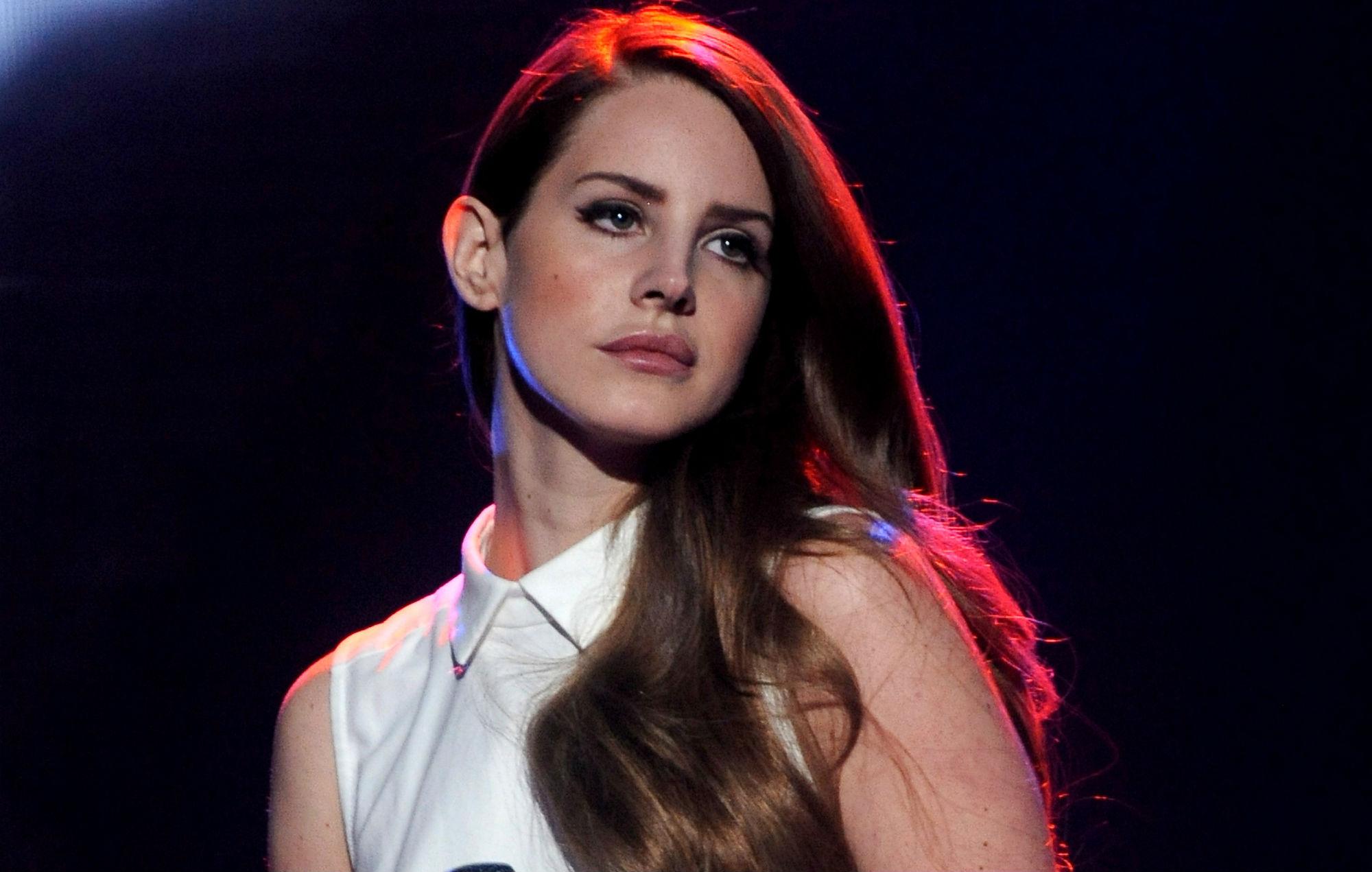 Lana Del Rey Live at the Hollywood Bowl, LA: a poetic genius caught in her natural habitat