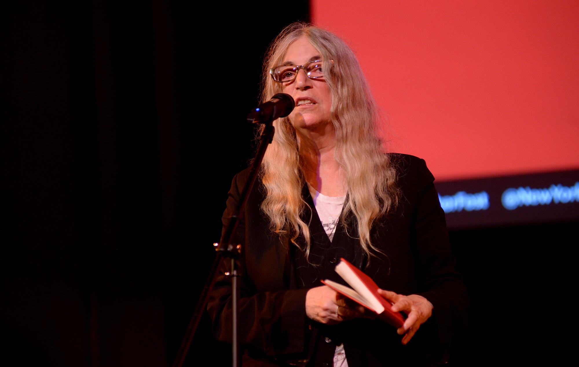 Patti Smith says reading Mark Twain made her throw up